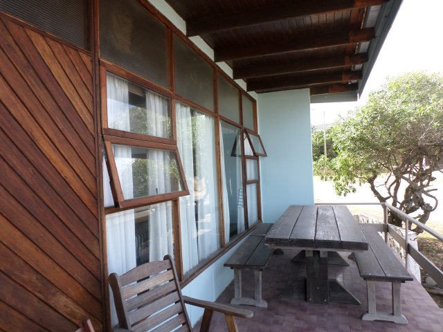 Holiday House to rent in Kleinbrakrivier, Garden Route, South Africa