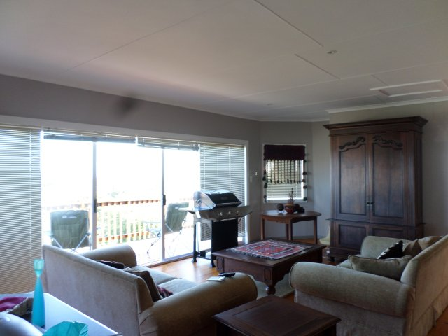 Holiday House to rent in Hersham, Garden Route, South Africa
