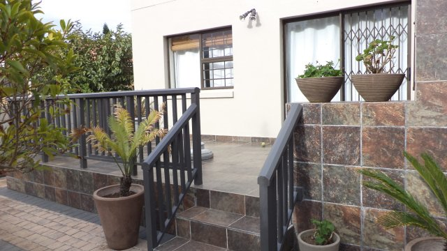 Holiday Rentals & Accommodation - Holiday Apartment - South Africa - Garden Route - Fraaiuitsig