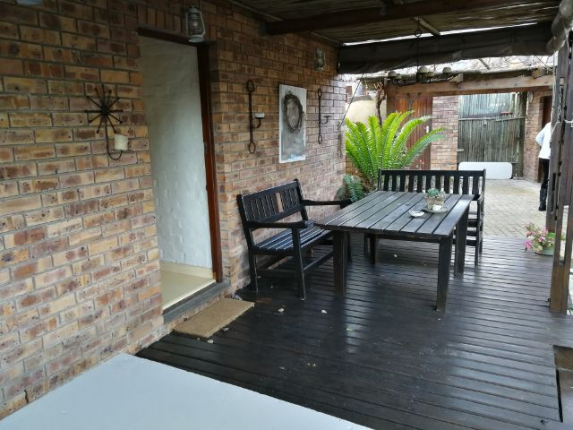 Holiday House to rent in Grootbrakrivier, Garden Route, South Africa