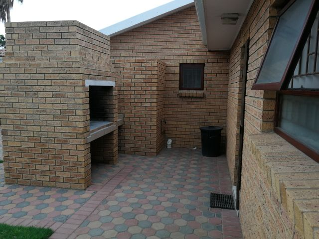 Holiday Rentals & Accommodation - Garden Flat - South Africa - Hartenbos - Mosselbay