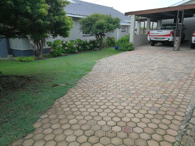 Holiday House to rent in Mosselbay, Mosselbay CBD, South Africa