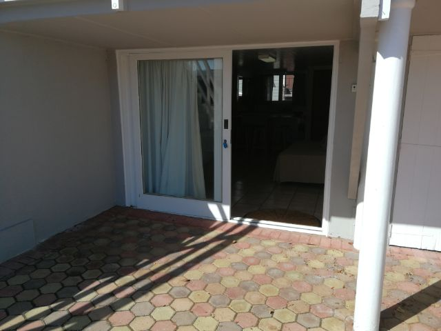 Holiday Rentals & Accommodation - Garden Flat - South Africa - Garden Route - Mosselbay