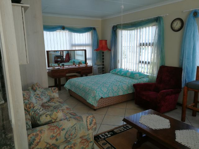 Holiday Rentals & Accommodation - Garden Flat - South Africa - Garden route - Little Brak river