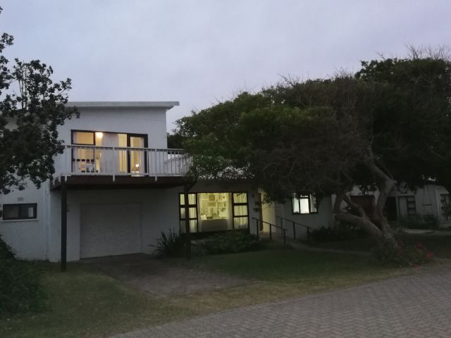 Holiday Rentals & Accommodation - Holiday House - South Africa - Garden Route - GREAT BRAK RIVER