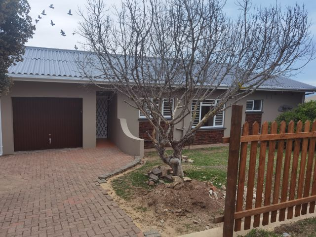 Holiday Rentals & Accommodation - Self Catering - South Africa - Mosselbay - Little Brak River