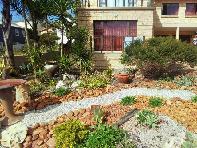 Holiday Rentals & Accommodation - Garden Apartment - South Africa - Eden District - Little Brak River