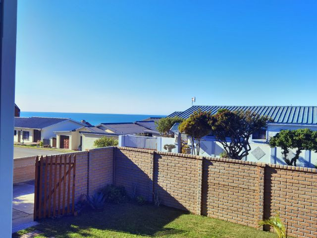 Holiday Rentals & Accommodation - Budget Accommodation - South Africa - Eden  - Little Brak River