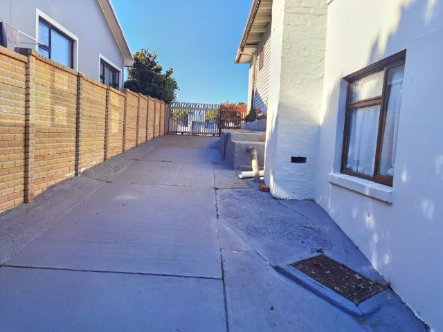 Budget Accommodation to rent in Little Brak River, Eden , South Africa