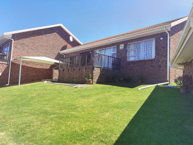 Holiday Rentals & Accommodation - Holiday Apartment - South Africa - Garden Route - Little Brak River